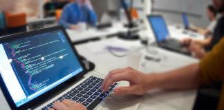 Komu zlecać tworzenie stron internetowych?