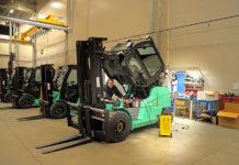 Co warto wiedzieć o elektrycznych wózkach widłowych?